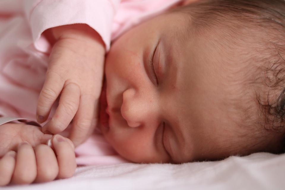 little-girl-1381471_960_720